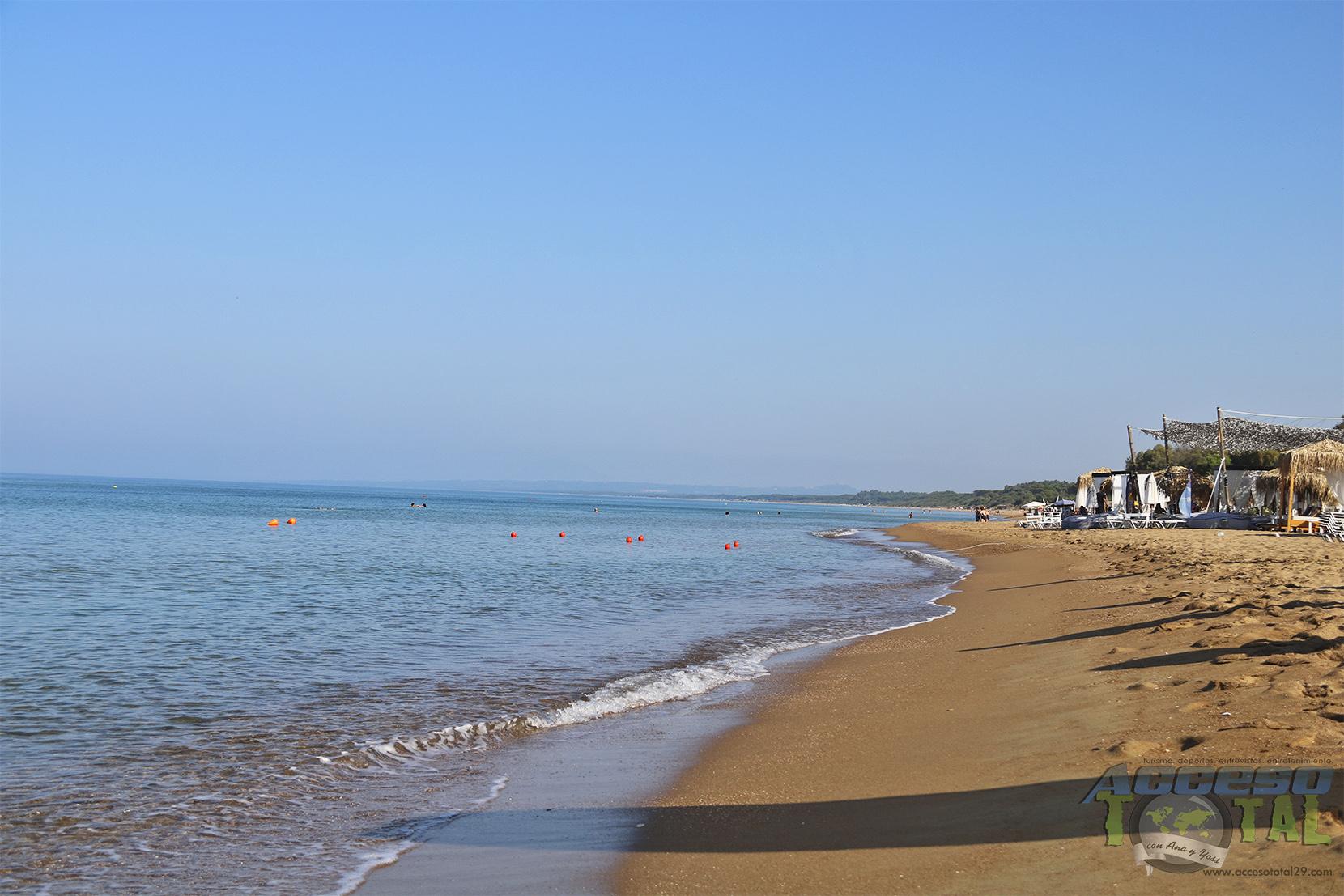 Día perfecto y relajados en Katákolo, Grecia